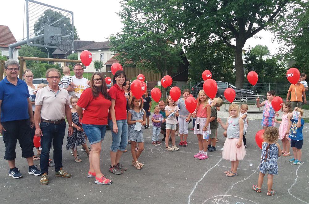 Luftballonwettbewerb Ferienprogramm Pressath